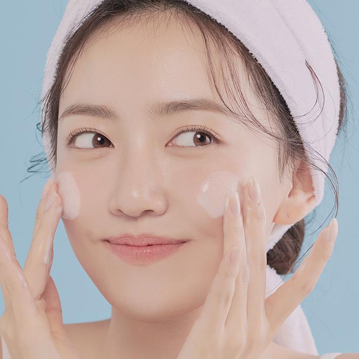 5 cách không dùng sữa rửa mặt da vẫn sạch bong, sáng tươi