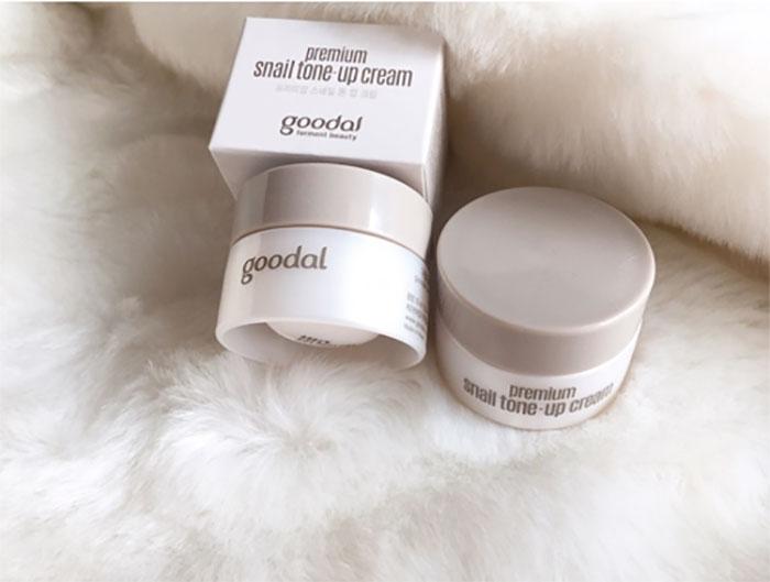 duong-da-mat-kem-duong-oc-sen-mini-goodal-premium-han-quoc-5541