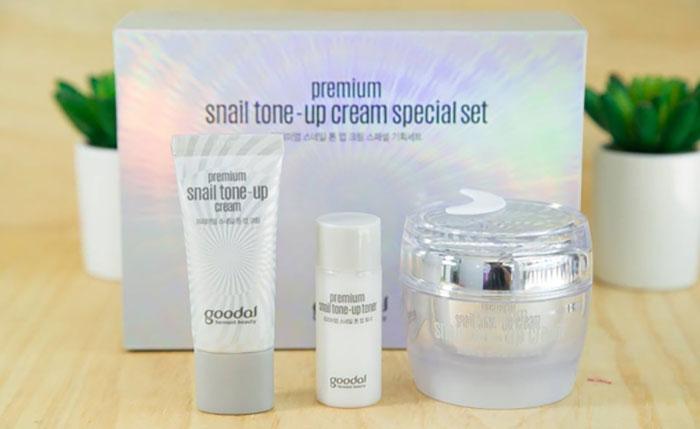 duong-da-mat-set-duong-trang-da-chiet-xuat-oc-sen-goodal-premium-snail-tone-up-cream-special-5445
