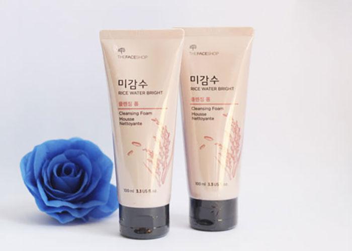 sua-rua-mat-sua-rua-mat-gao-rice-water-bright-cleansing-foam-the-face-shop-5461
