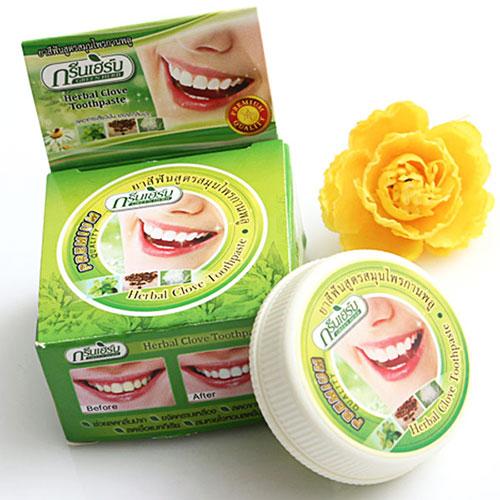 Kem Làm Trắng Răng Herbal Clove Toothpaste Thái Lan