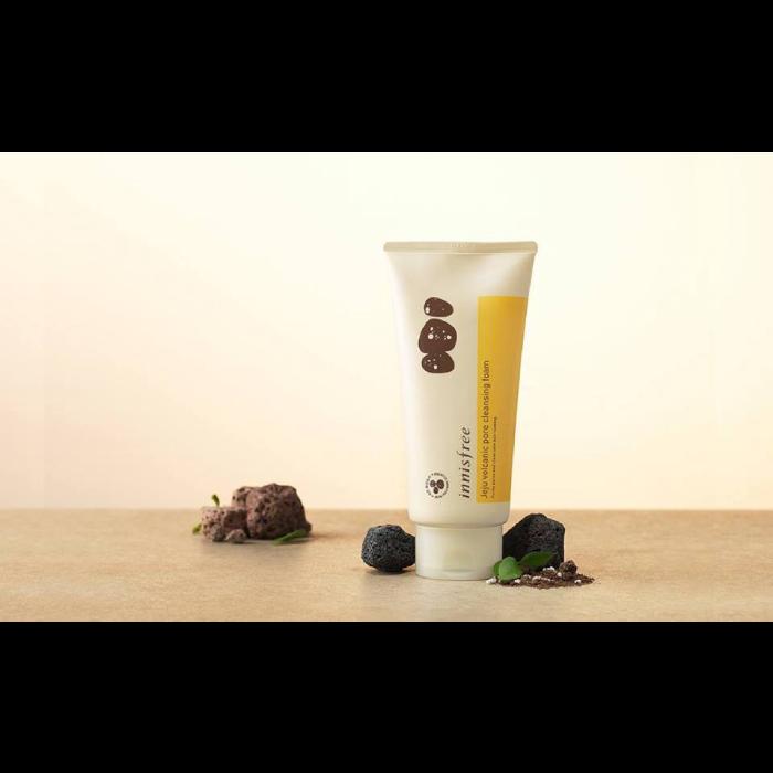 Sữa Rửa Mặt Tẩy Da Chết Tro Núi Lửa Innisfree Jeju Volcanic Pore Scrub Foam