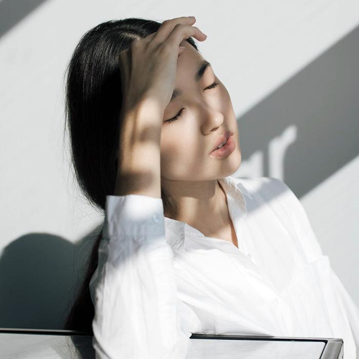 Cách thoa kem chống nắng chuẩn phái đẹp Hàn